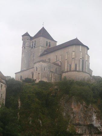 Bouzies, France: vue de l'église de Saint-Cirq-la-Popie