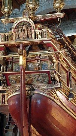 Bela imagem da galera com a sua riquissima ornamentação