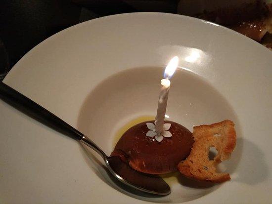 Escabèche: Crème van Chocolade met olijfolie, grof zeezout en brood
