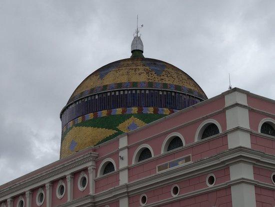 Teatro Amazonas Museum: Le dôme avec les couleurs brésiliennes