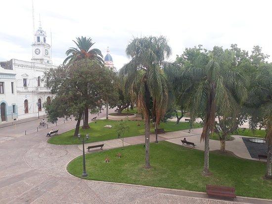 Plaza principal frente al hotel Gran Villaguay