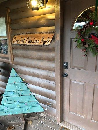 Barefoot Bluejean Night Cabin