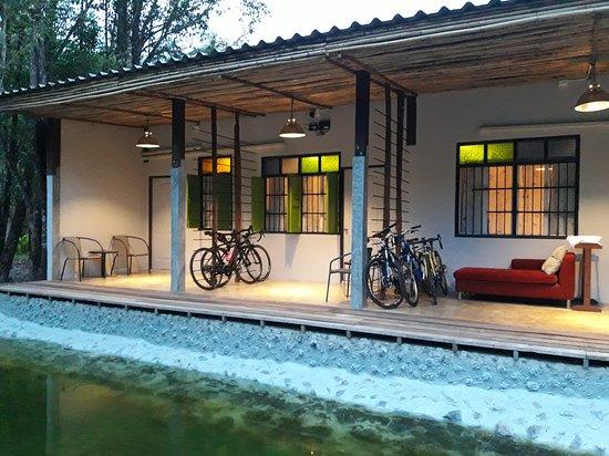 Baan Hotelier Resort