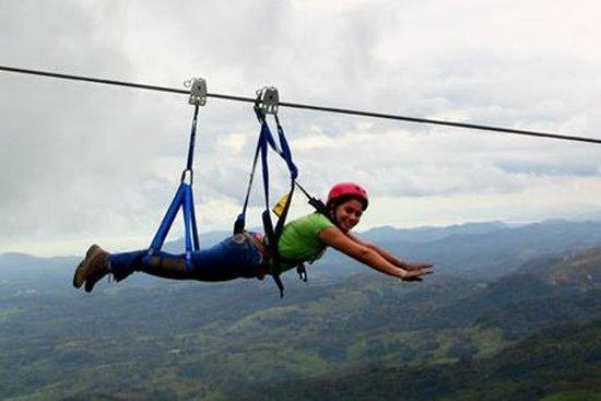 Superman Zipline Course no Adventure...