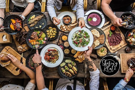 SHARING PLATE FOOD TOUR IN FRANKFURT