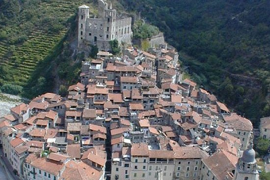 The mysterious corners of Dolceacqua