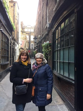 ‪‪Harry Potter Walking Tour for Muggles in London‬: In Knockturn Alley!!‬