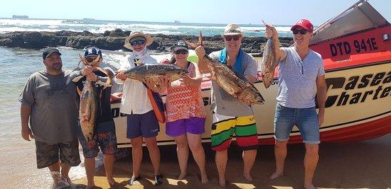 Umhlanga Rocks, Sydafrika: Happy chappies with tuna!