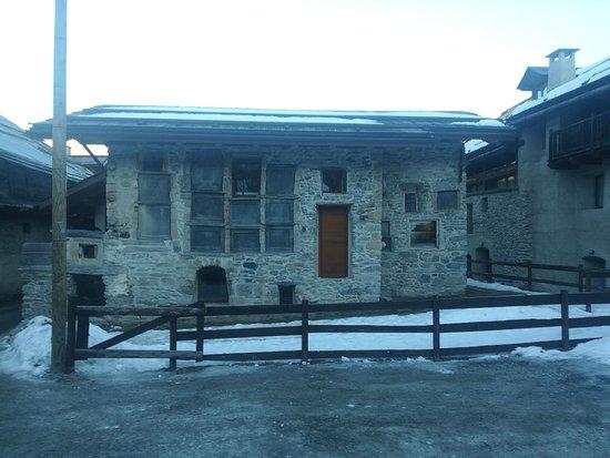 Casa Delle Lapidi