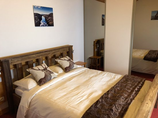 Le Verney - our king bed room