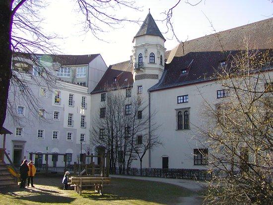 Schloss Polheim
