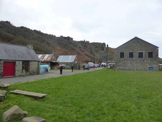 Porthgain, UK: The Shed on the right