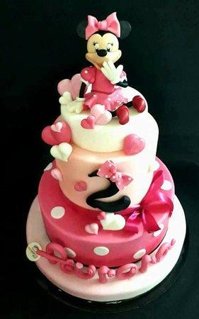 Belmonte Mezzagno, Italy: Minnie torta in pasta di zucchero