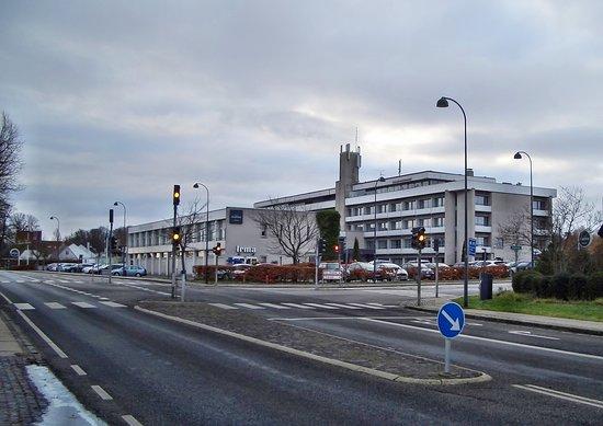 Vedbaek, Denmark: Hotellet set fra gadeplan