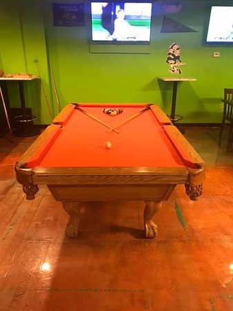 Dundalk, MD: Pool Table
