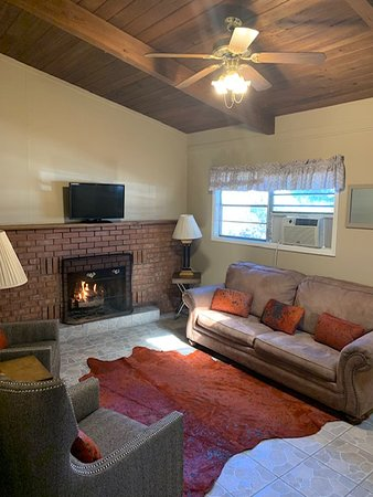 High Country Lodge : Premier living room