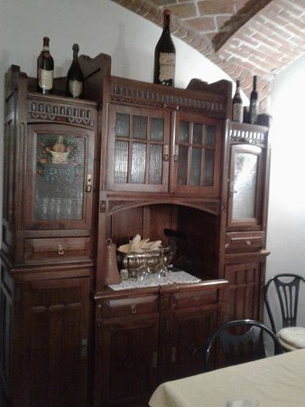 Gabiano, Italy: L'armadio della bisnonna
