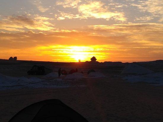 גיזה, מצרים: Sunrise at The White Desert
