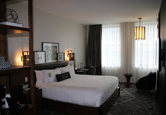LondonHouse Chicago, Curio Collection by Hilton: Grote kamer !