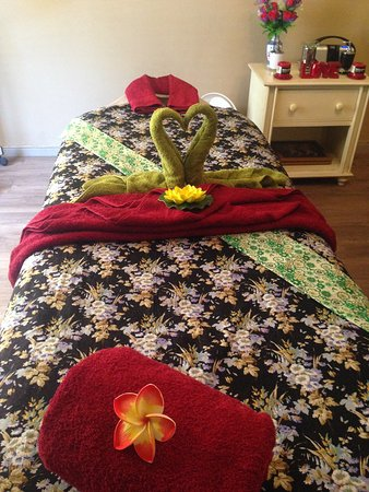 Parow, South Africa: Our Therapy room invites you to a relaxing massage your body will definitely fall in love.