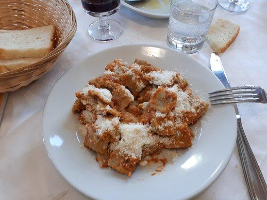 San Colombano Certenoli, Italia: ravioli