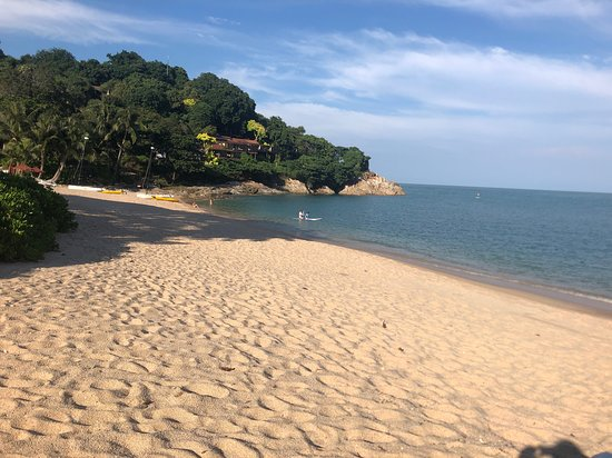 Tongsai Bay Cottages & Hotel: the crowded beach (well, doesn't get much more crowded than this)