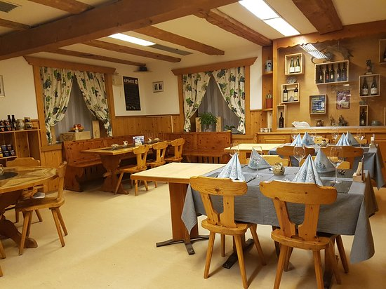 Zizers, Swiss: Käse Fondue, Raclette Stube