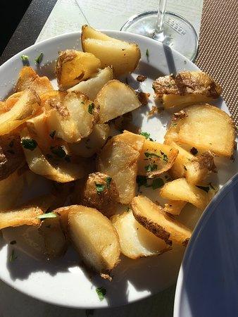 Fasnia, สเปน: Fried potatoes - delicious!