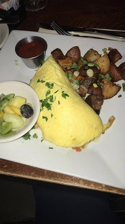 Maplewood, NJ: Crabmeat and avocado omelet