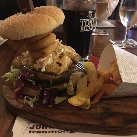 Presteigne, UK: Hallumi and portobello mushroom burger stack