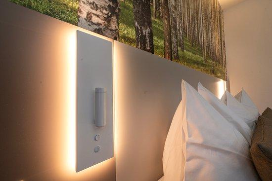 Applique murale avec lampe de lecture picture of hotel waldhorn