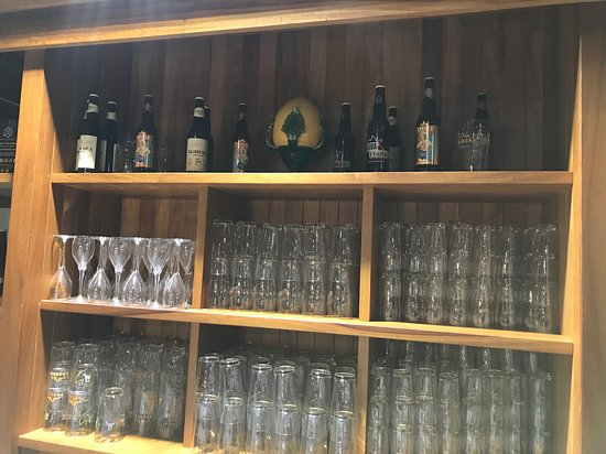 Leverano, Italie : beer on display