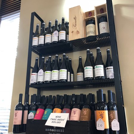 Good food, good service, good wine!