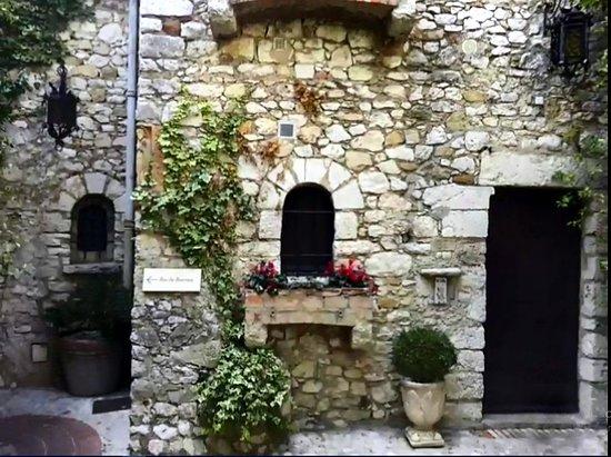 Vieux Eze: Frente de una casa