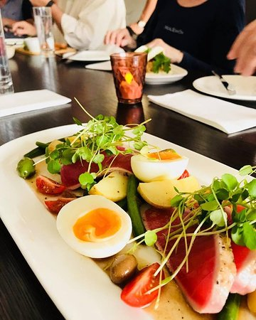 Yuuuus chef! She's going to make a come back.... the perfect entree... Italian 'Nicoise' salad with our delicious Morell twist. Rare seared tuna, beans, olives, young potatoes, tomato, soft egg. Coming back soon! See you all tonight! #reopening #2019 #italiansalad #nicoise #summer #remuera #yourlocalbistro #neighbourhoodbistro #owneriperator #nzeats #auckland #morell #morellbistro