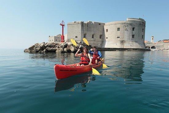 Kayak de mer et plongée avec tuba au...