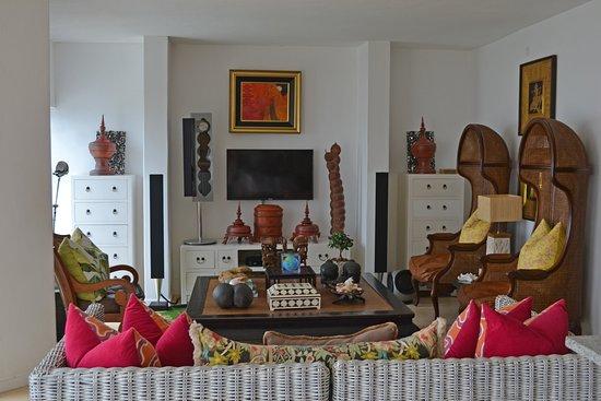 Trafalgar, Güney Afrika: Lounge area.