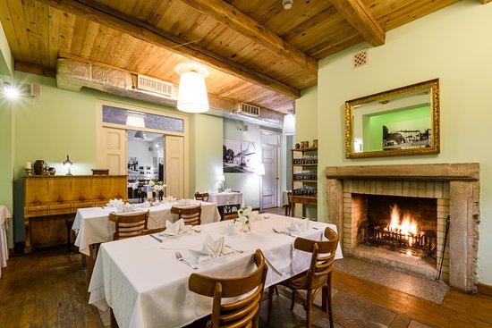 Bilgoraj, Poland: Hotel i Restauracja Sitarska - sala kominkowa