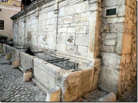 Tagliacozzo, Italy: Fontana a Muro
