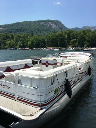"Lake Lure, Βόρεια Καρολίνα: All Aboard ""Dorothy"" (Holds 12)!"