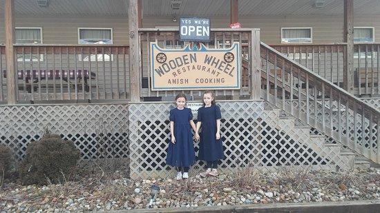Quaker City, โอไฮโอ: Outside the Wagon Wheel Restaurant