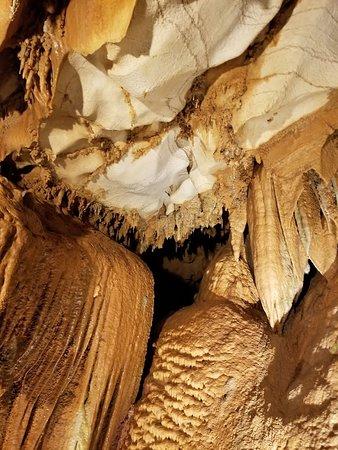 Park City, KY: Diamond Caverns-Beautiful Formations