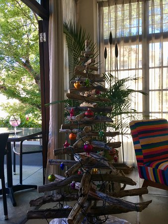 Derwent House Boutique Hotel: Christmas tree - Cape Town style!