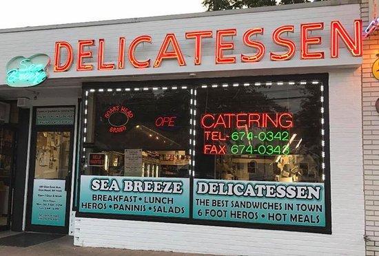Glen Head, NY: Sea Breeze Delicatessen