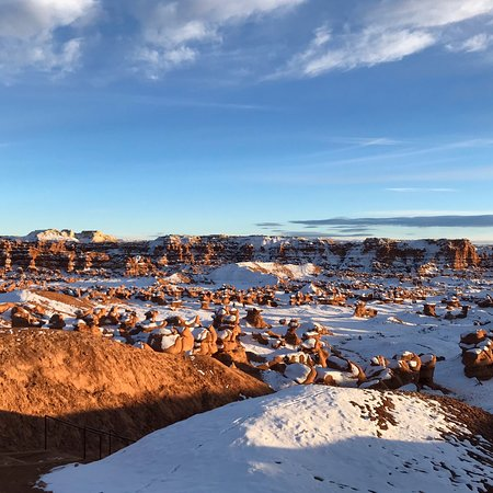 Goblin Valley State Park : Goblin Valley covered in fresh snow