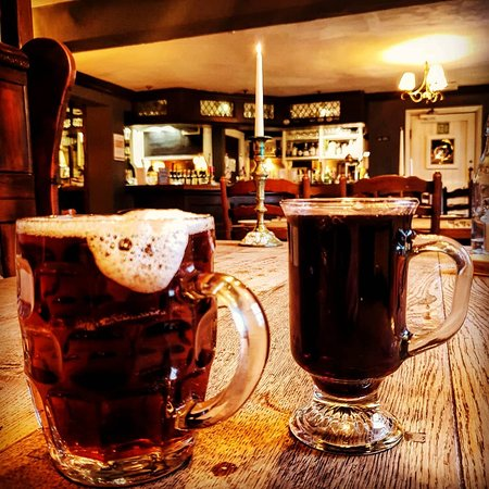 Grundisburgh, UK: Enjoy a warming mulled wine or a proper pint of ale