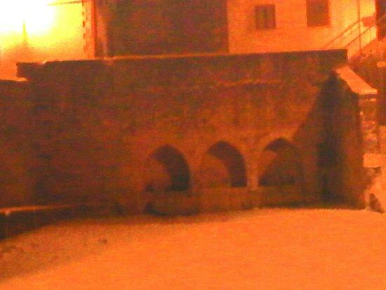 Fontana medievale
