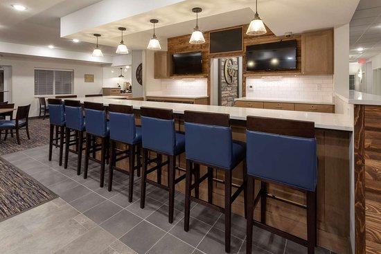 GrandStay Milbank Lounge