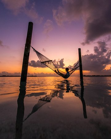 Olhuveli Island: Sunsets in the Maldives are always gorgeous!