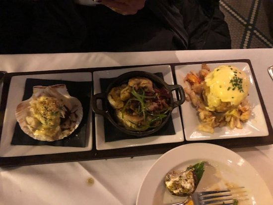 Seafood Flight - Fantastic, even as judged by a seafood snob from Boston area.